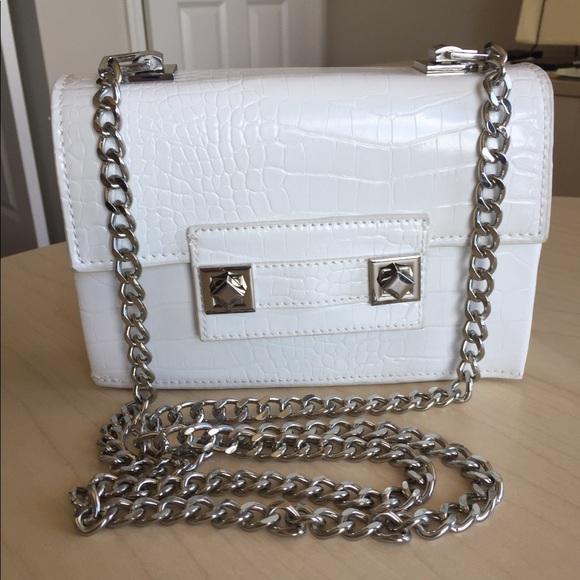 2dea6c4456 Zara white mini crossbody handbag. M 5b9bda2c8869f7ece87d1c5c